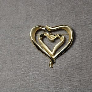 Vintage jewelry gold tone heart danecraft brooch